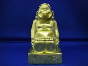 金のビリケン像